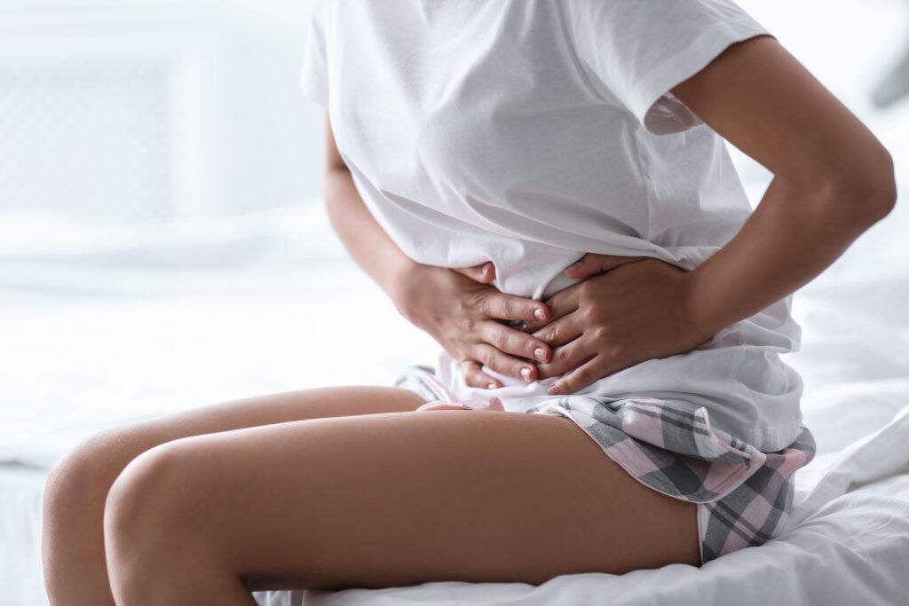 Auch Regelschmerzen können durch eine Endometriose kommen